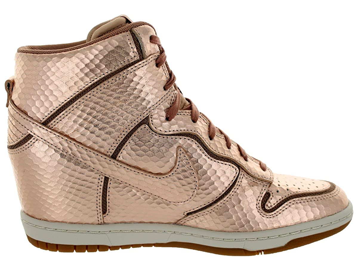 new product 7f52e 94b0e Nike Women s Dunk Sky High Cut Out Premium - Metallic Red Bronze Light Bone-Gum  Brown, 10 B US  Amazon.ca  Shoes   Handbags