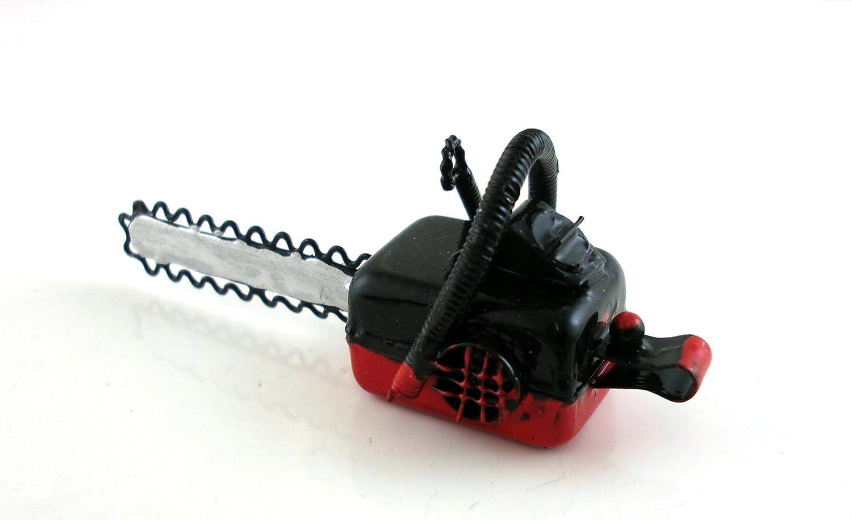 Amazon.es: Sierra mecánica roja para troncos en miniatura para casa de muñecas accesorios de jardín 8603: Juguetes y juegos