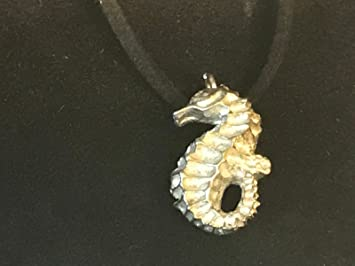 Collar De Caballito De Mar De 15 Cm X 25 Cm Tg235 Hecho De Peltre