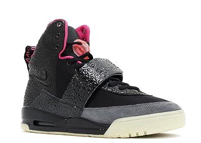 639fcf31800 Amazon.com   Nike Air Yeezy - Size 9.5   Basketball