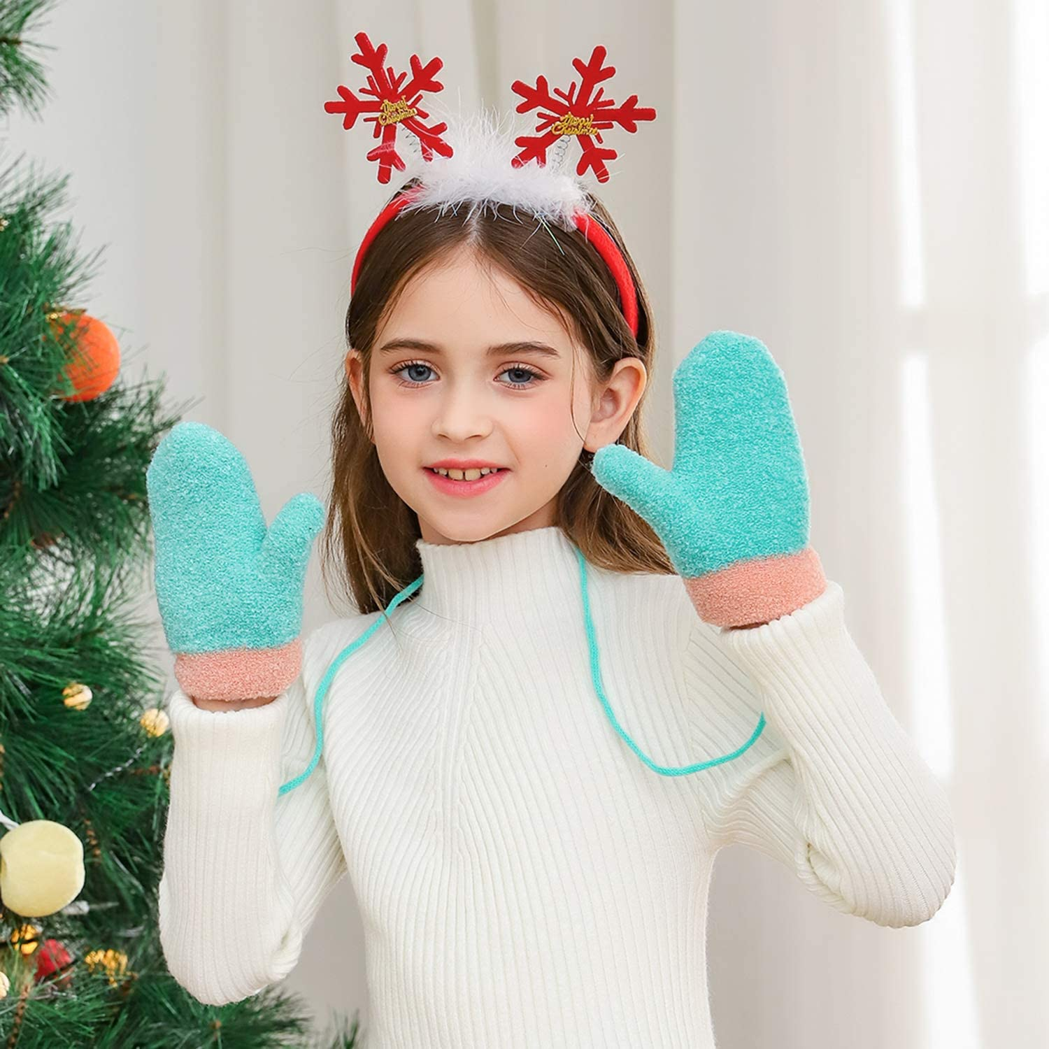 Hawiton kids Winter Cartoon Gloves Boys Girls Thickened Thermal Knitted Mittens with Anti-lost String