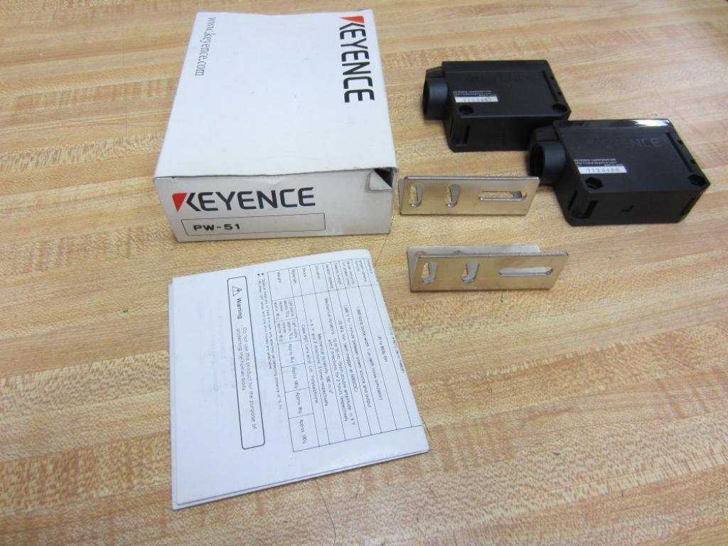KEYENCE PW-51 PHOTOELECTRIC SET *NEW IN A BOX*