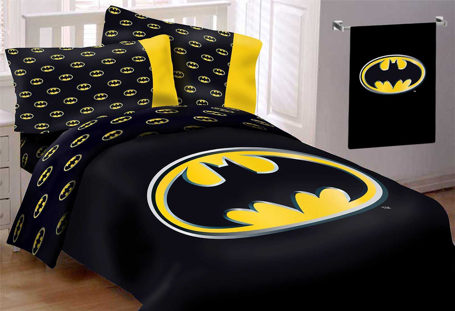 Batman Emblem 4 Piece Reversible Super Soft Luxury Queen Size Comforter Set with Beach Towel 30''x60''