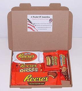 Heavenly Sweets Dulces Reeses Cesta de Chocolate Americano - Chocolates y Mantequilla Mani Favoritos de EEUU - Tazas y Barra - Regalo para Cumpleaños, Navidad - 7 Golosinas, Pack Retro - 25x18x2,5cm: