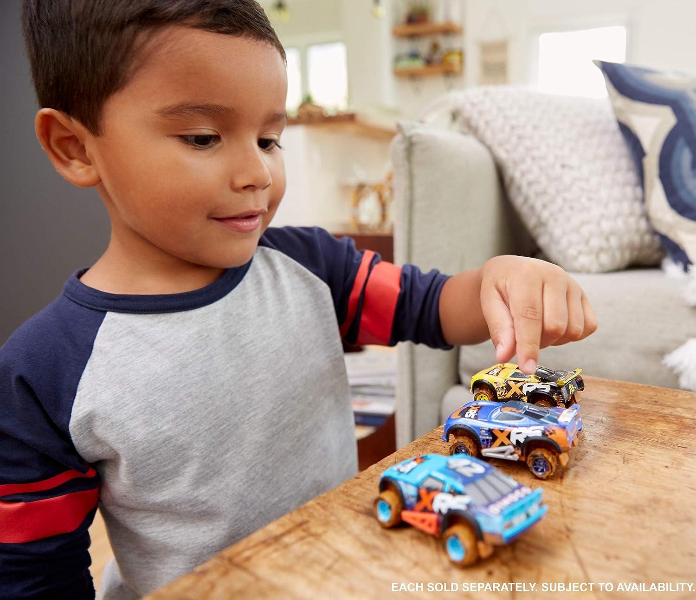 Disney//Pixar Cars XRS Mud Racing Lightning McQueen
