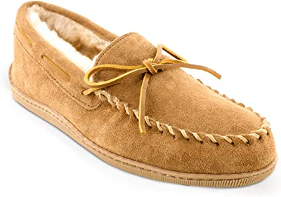 Minnetonka Men's Sheepskin Hardsole Moccasin Slippers