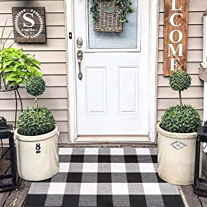 Buffalo Plaid Front Porch Rug Black & White Cotton Woven Checkered Area Rug Washable Layered Door Mats for Home Decor Patio Kitchen Farmhouse Doorway-23.6