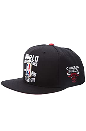 b9c95091361409 Amazon.com: Mitchell & Ness Chicago Bulls World Champions 72-10 ...