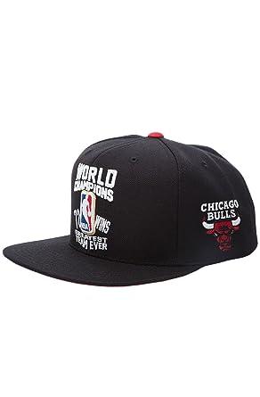 059c4a6127d Amazon.com  Mitchell   Ness Chicago Bulls World Champions 72-10 ...
