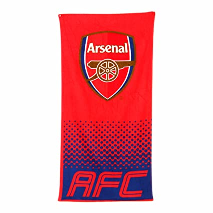 68c52b21b Arsenal F.C Fade Towel  Amazon.co.uk  Sports   Outdoors