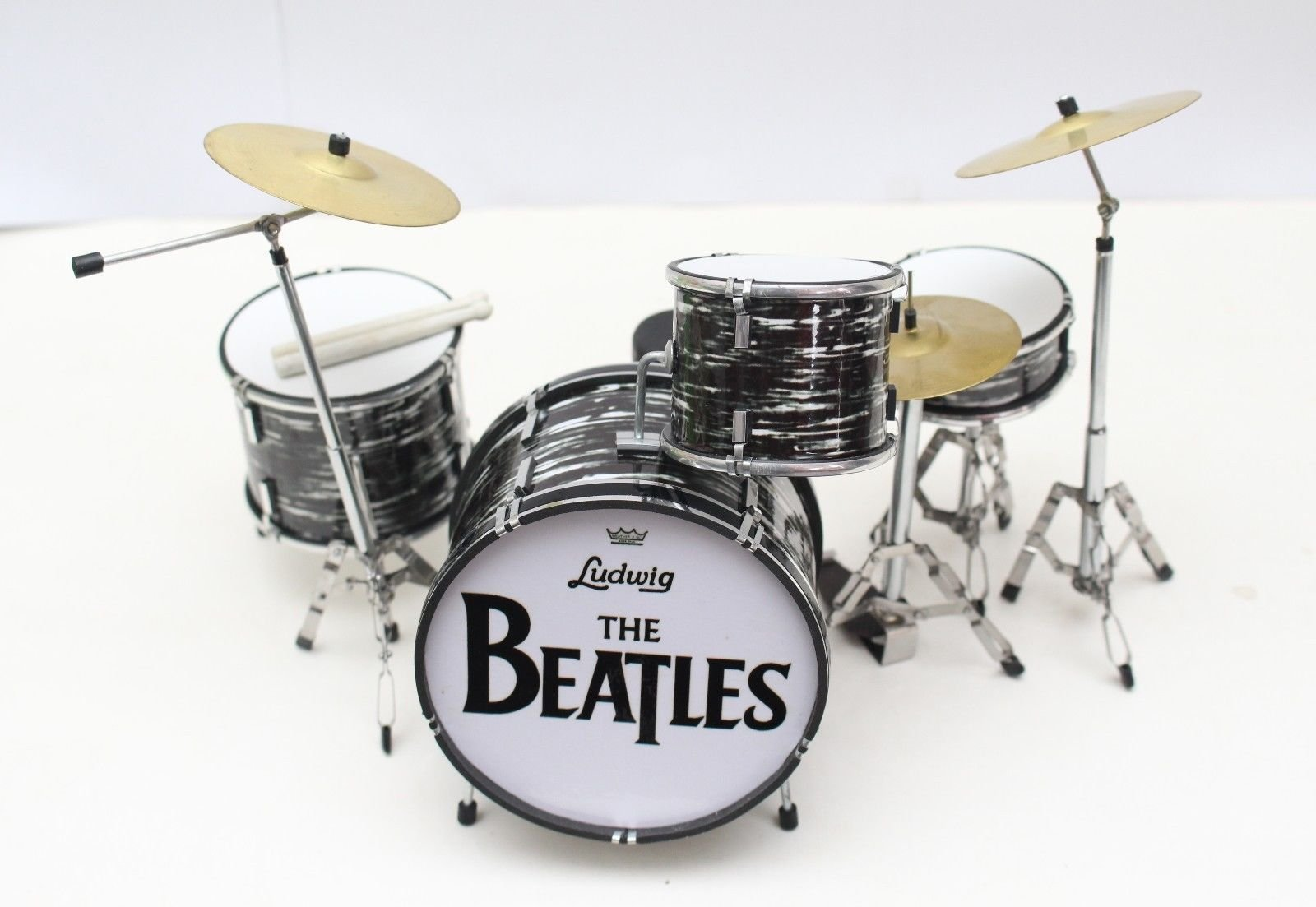 Ringo Starr BEATLES Miniature Drumkit (GM204) by Guitar Miniatures