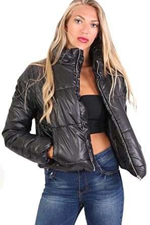 a13337c54ffdf PILOT Women s Cropped Puffer Jacket in Black at Amazon Women s Coats Shop