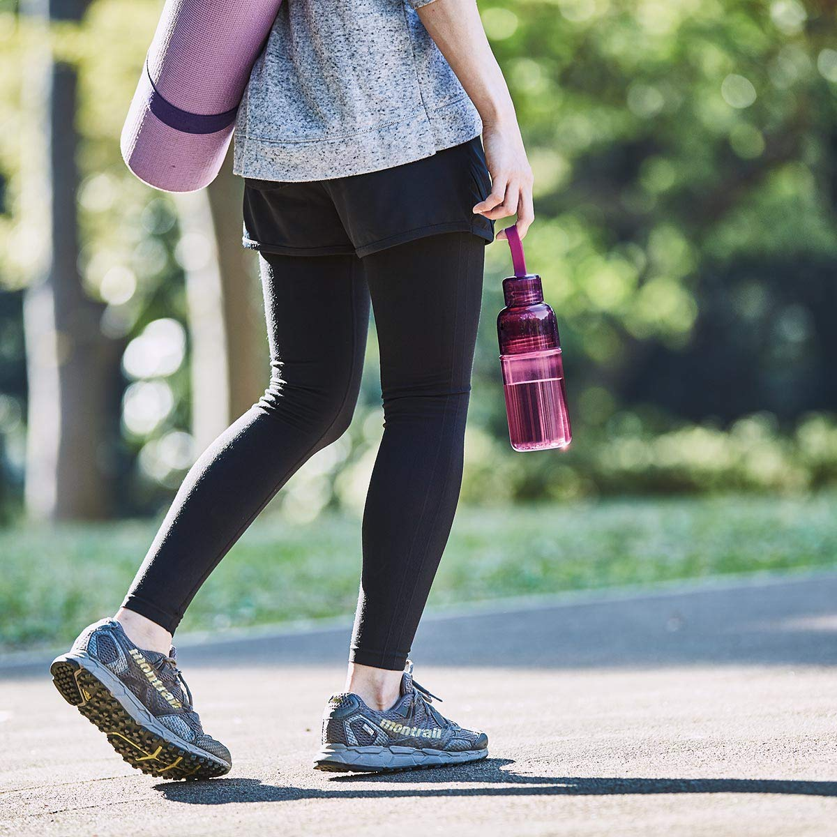 16.2 oz Slicone Strap For Easy Carrying Lightweight And Durable Easy To Keep Clean Magenta Kinto Workout Bottle 480ml