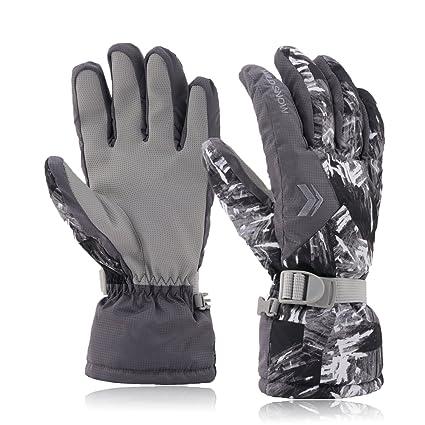 05f1abb70d28 Amazon.com   Ski Gloves