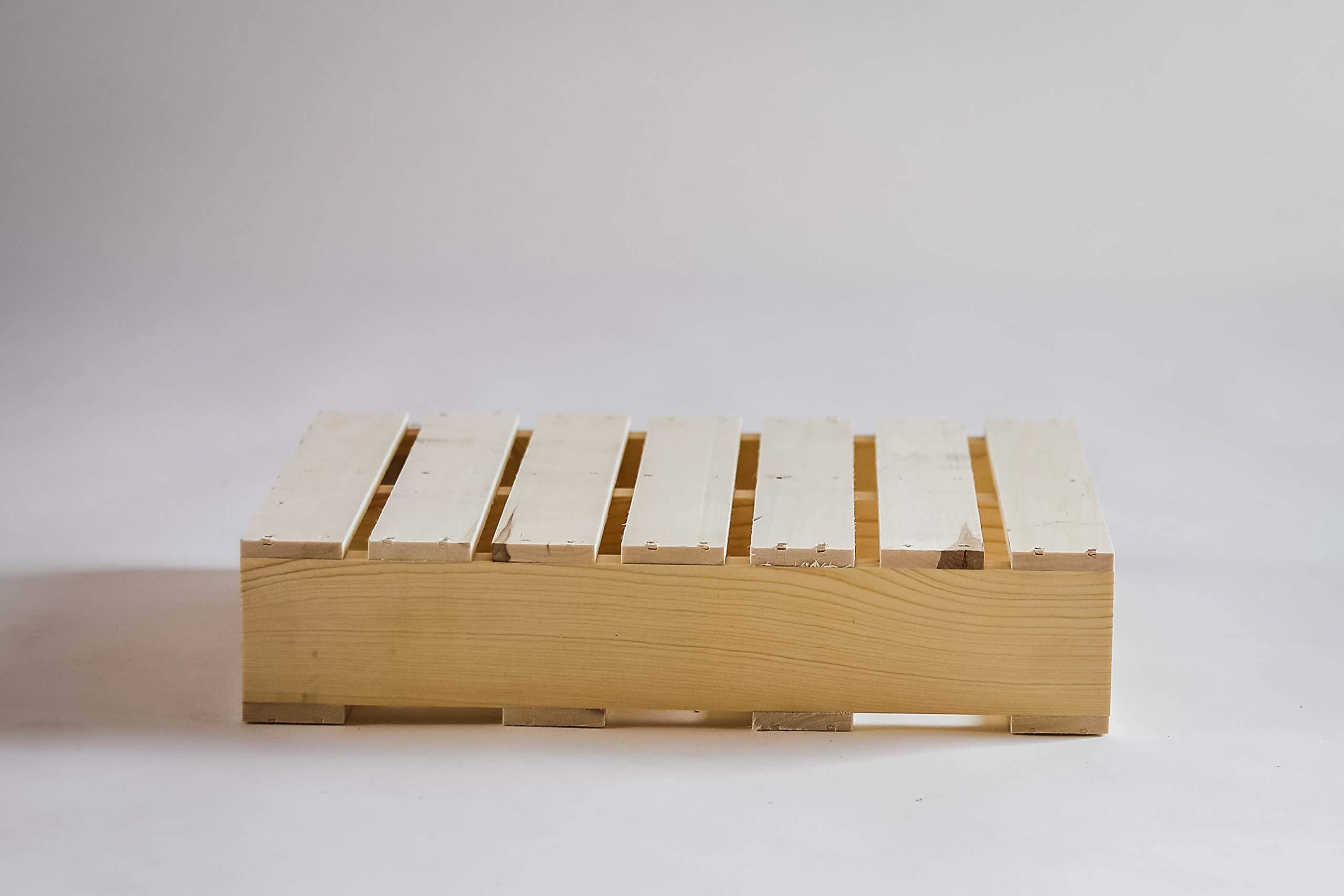 Darla'Studio 66 Decorative Wooden Pallet