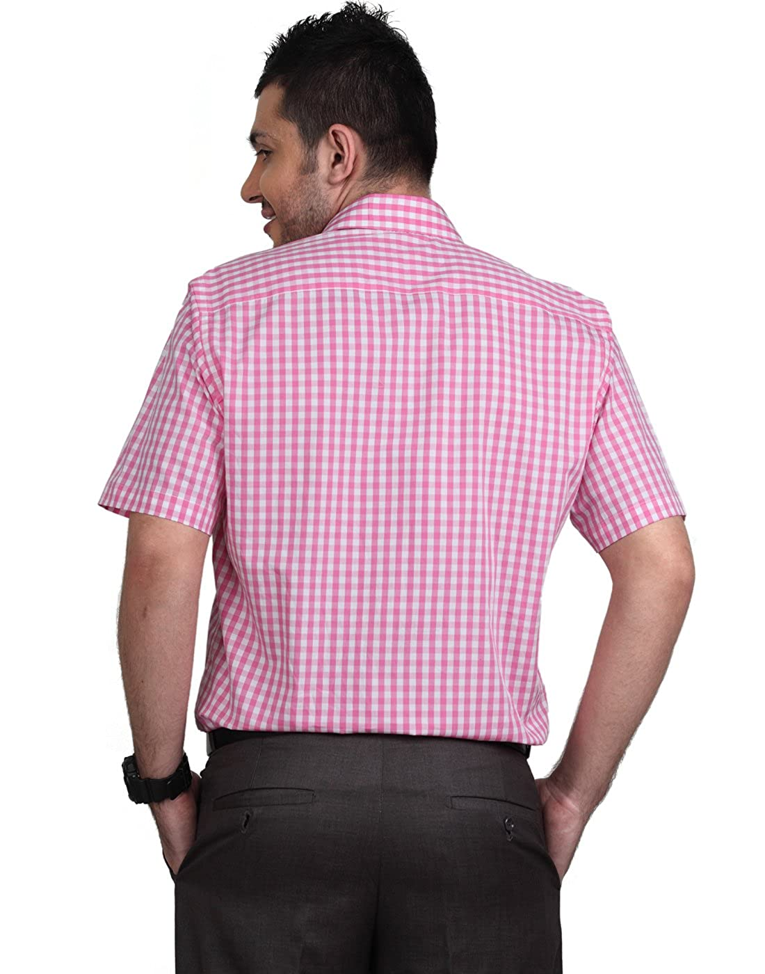 d16c01b10af2f Zeal Men s Shirt Half Sleeve Cotton Checkered Formal Pink and White   Amazon.in  Clothing   Accessories