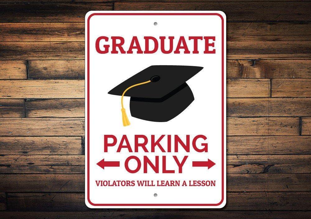 Mengliangpu8190 - Señal de metal de 20 x 30 cm, señal de estacionamiento de graduado, regalo de graduación para decoración de graduación, graduación, fiesta de graduación, decoración de aluminio
