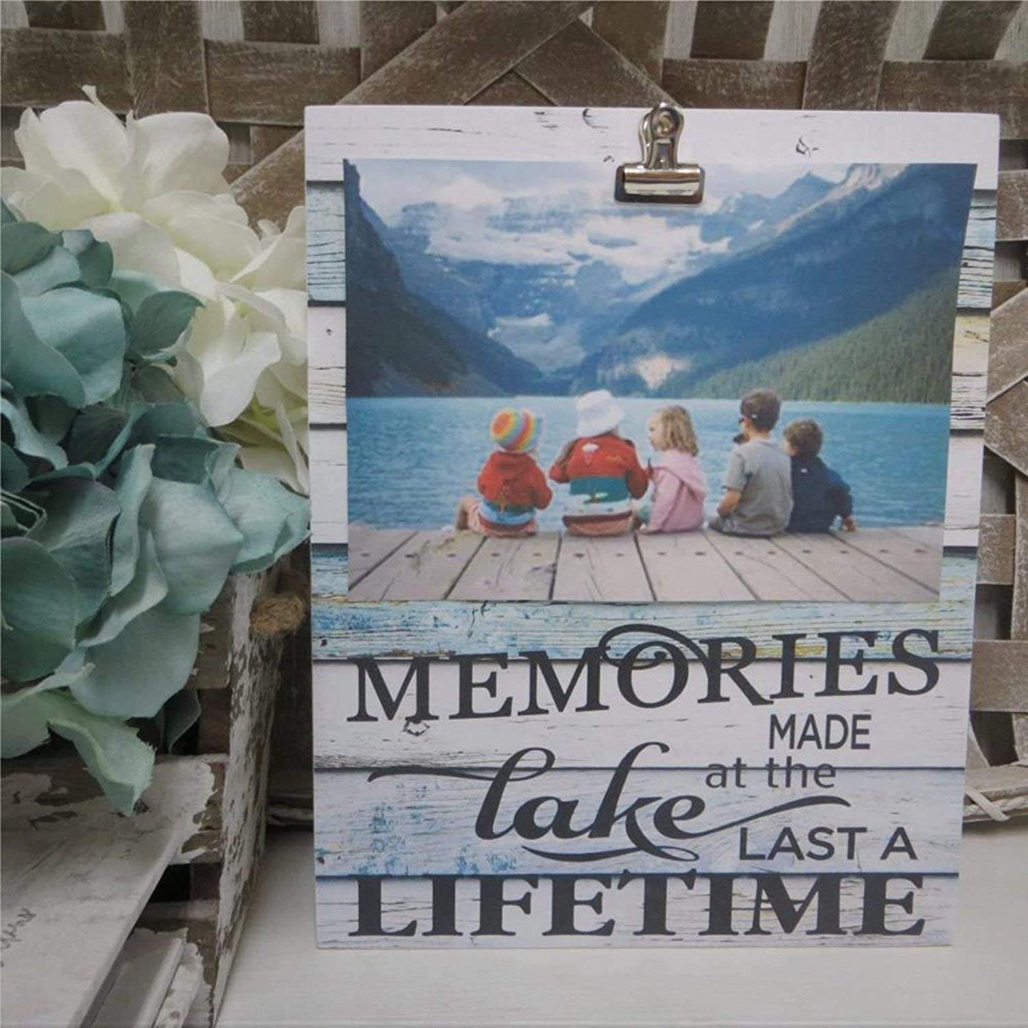 DONL9BAUER Memories Made at The Lake Last A Lifetime Framed Wooden Sign,Lake House Picture Frame Wood Wall Decor Sign, Farmhouse Wooden Plaque Art for Home,Gardens, Porch, Gallery Wall, Coffee Shops.
