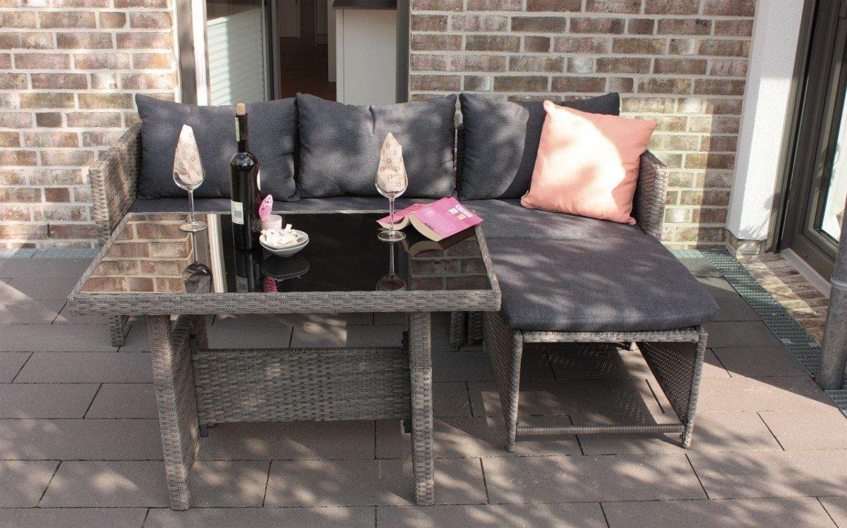 Dreams4Home Balkonlounge 'Nilah' - 2er Sofa, Eckelement, Tisch mit Glasplatte, Kissenset, Consul Garden, Rattan, Polyrattangeflecht, Balkonmöbel, Gartenmöbel, Terrasse, Outdoor, in mocca