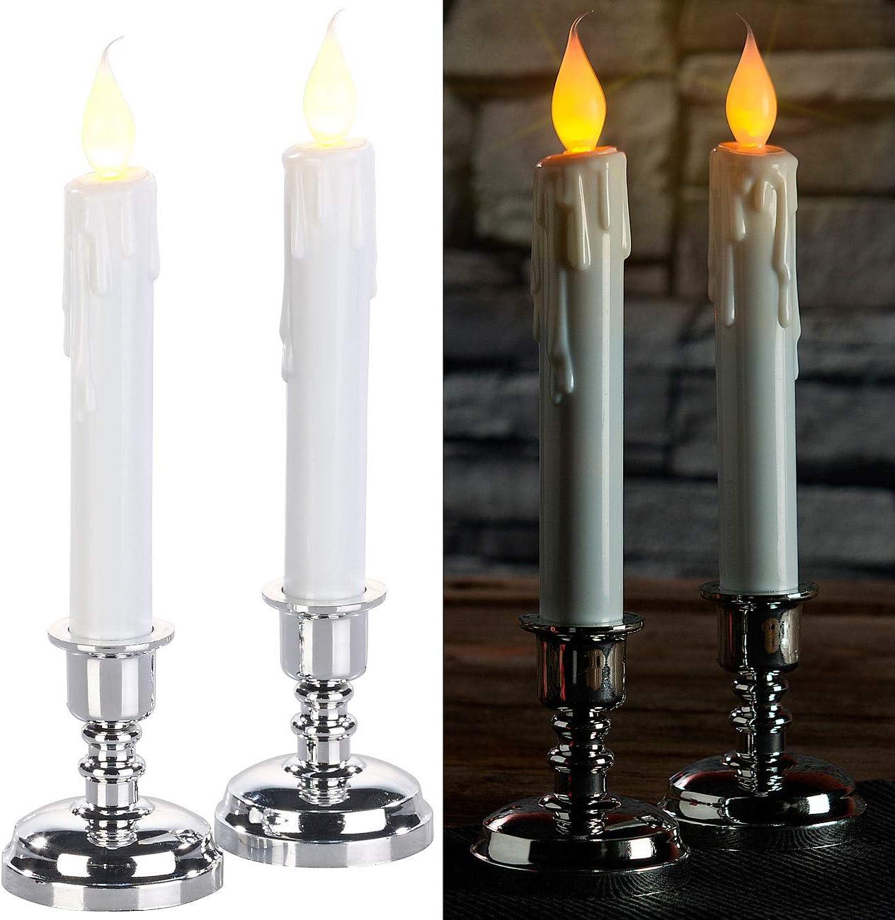 Set de 2 bougies LED effet flamme vacillante avec chandeliers