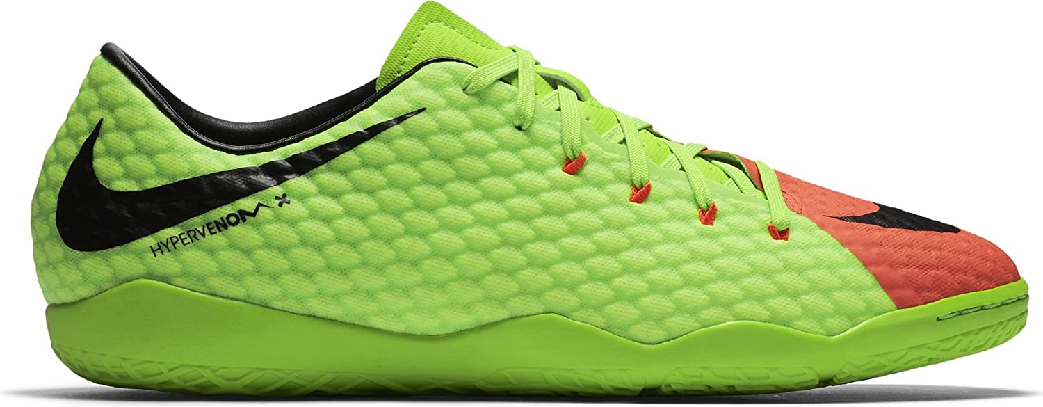 competitive price 21e14 6da97 Amazon.com   Nike Men s Hypervenom Phelon III Indoor Soccer Shoes   Soccer