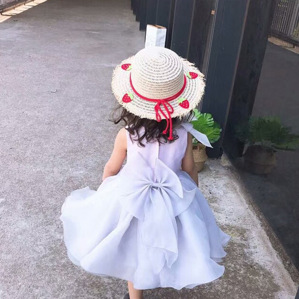 aa845e7ba15 Amazon.com  Toddler Kids Cute Fahion Floppy Straw Sun Hat with Braided Band  Bowknot Strawberry  Clothing
