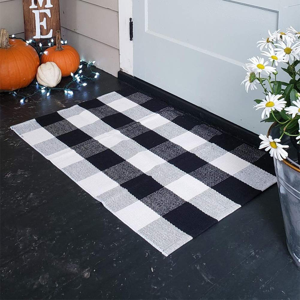 100% Cotton Plaid Rugs, Buffalo Check Rug, 23.6''x35.4'', Checkered Outdoor Rug, Outdoor Plaid Doormat for Kitchen/Bathroom/Laundry Room/Bedroom (Black and White Porch Rugs)