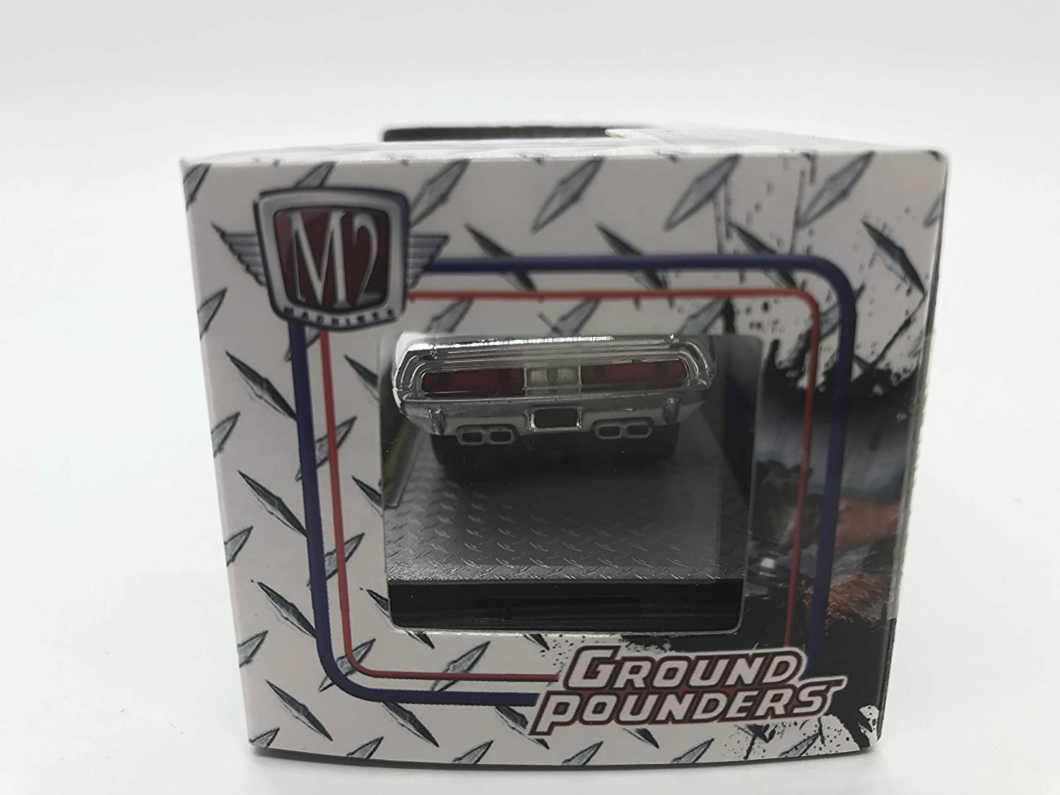 M2 Machines Ground Pounders 1970 Dodge Challenger R//T 1//64 R12 14-04 White Details Like NO Other!