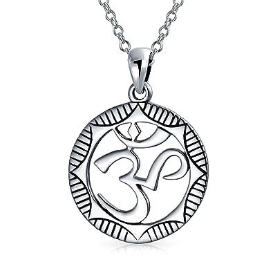 Círculo Símbolo Sánscrito Yoga Om Aum Medallón Colgante ...