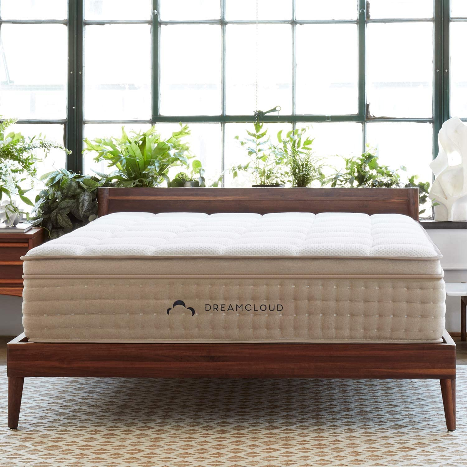 DreamCloud King Mattress - Luxury Hybrid Mattress with 6 Premium Layers - CertiPUR-US Certified - 180 Night Home Trial - Everlong Warranty