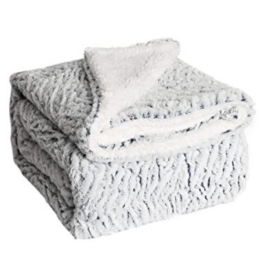 HoroM Soft Cozy Fluffy and Warm Sherpa Blanket Throw Blankets for Bed or Couch (50  x 60 , Snowy River)