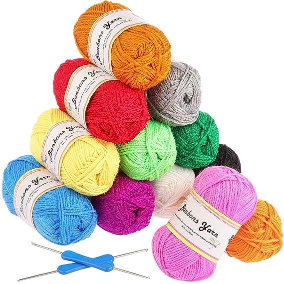 Fuyit Pelotes de Laine en Acrylique 600g (12x50g) avec 2 crochet gratuit 12 couleurs Acrylique pour Tricot Idéal pour Tout Projet de Tricot et de Crochet