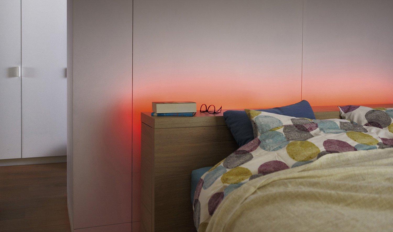 Set singolo striscia LED flessibile color 2m Philips LightStrip Essential