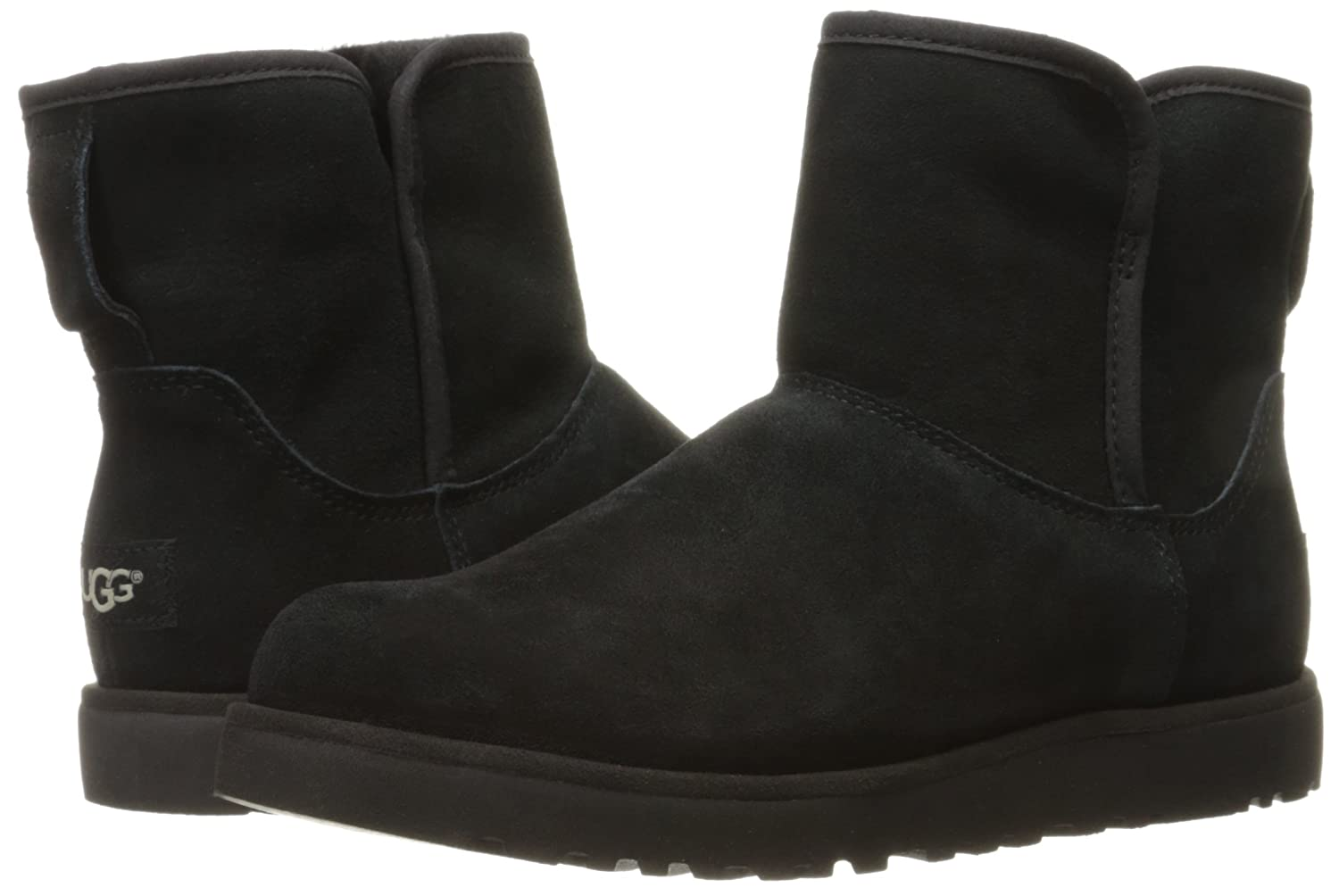 black ugg boots size 4