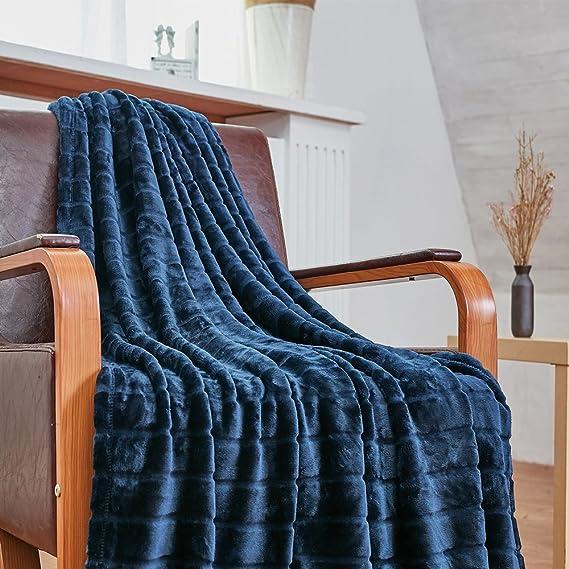 """Bertte Throw Blanket Super Soft Cozy Warm Blanket 330 GSM Lightweight Luxury Fleece Blanket for Bed Couch- 50""""x 60"""", Navy"""