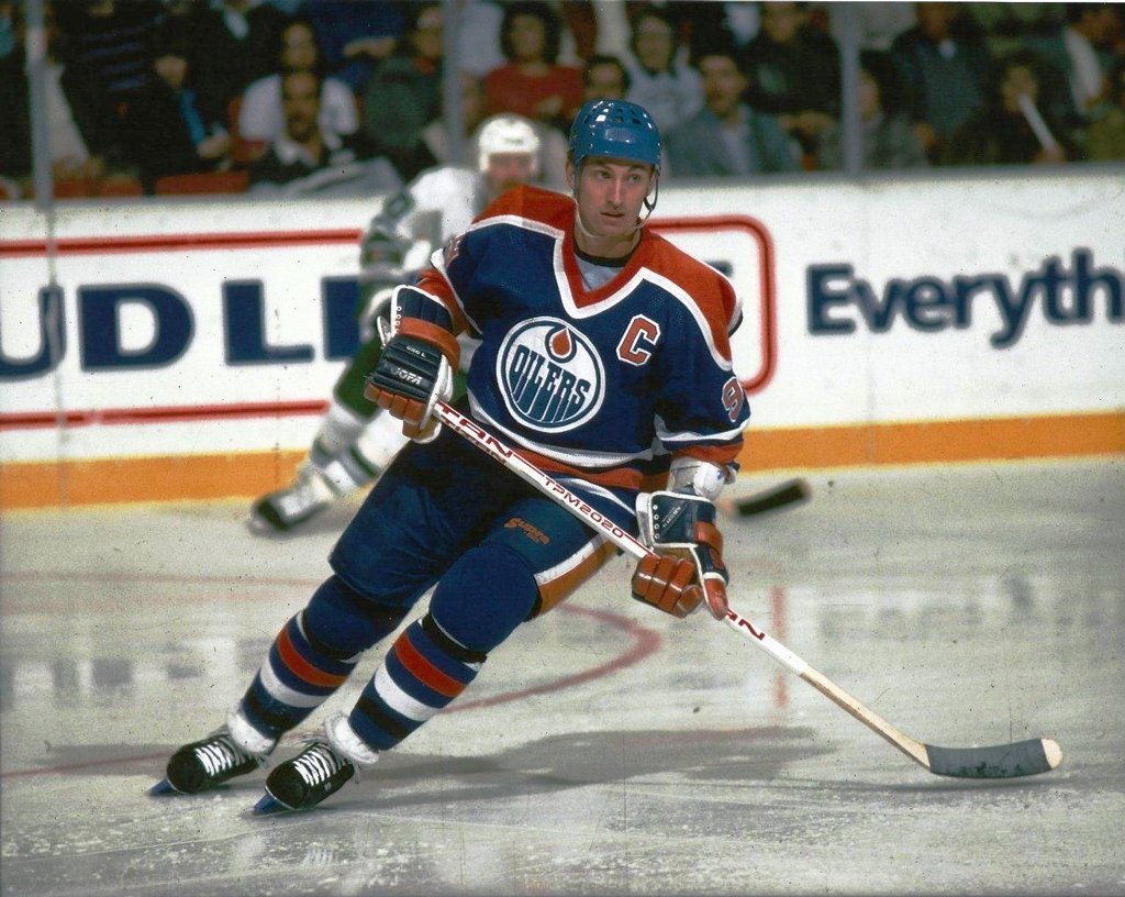 Hockey Edmonton Oiler Wayne Gretzky - 16''x20'' Photo, Mounted in 20''x24'' Double Matt and Framed with Plexi Glass by NHL Collectibles