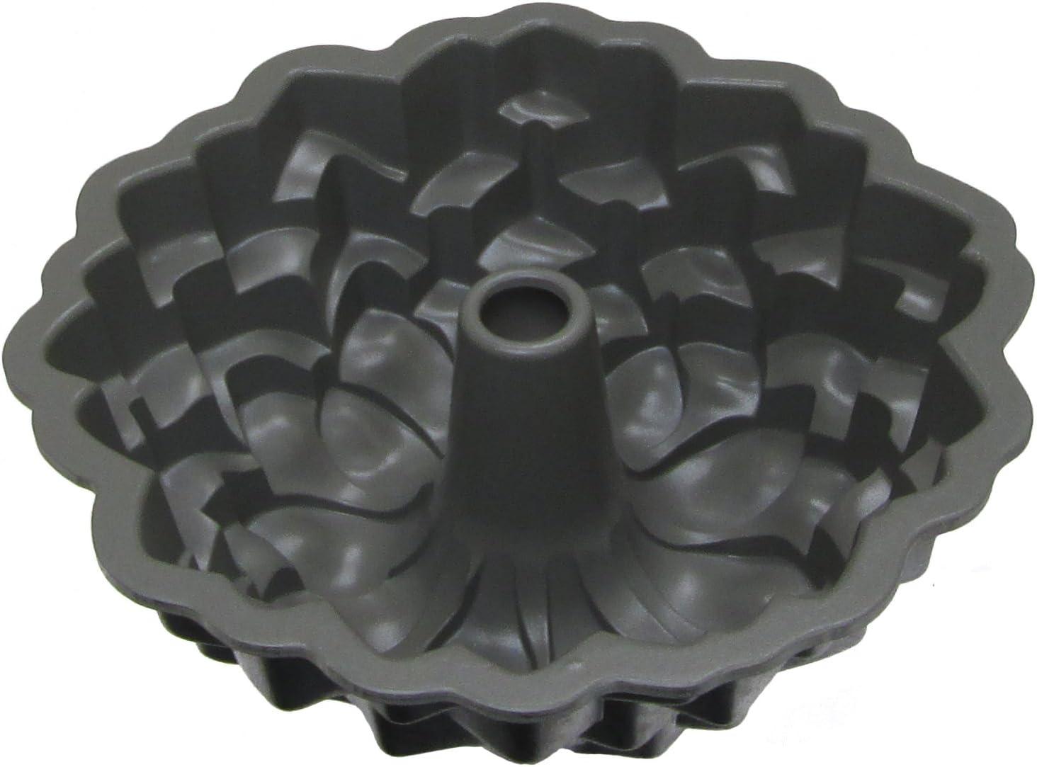 Nordicware Commercial Blossom Bundt Pan