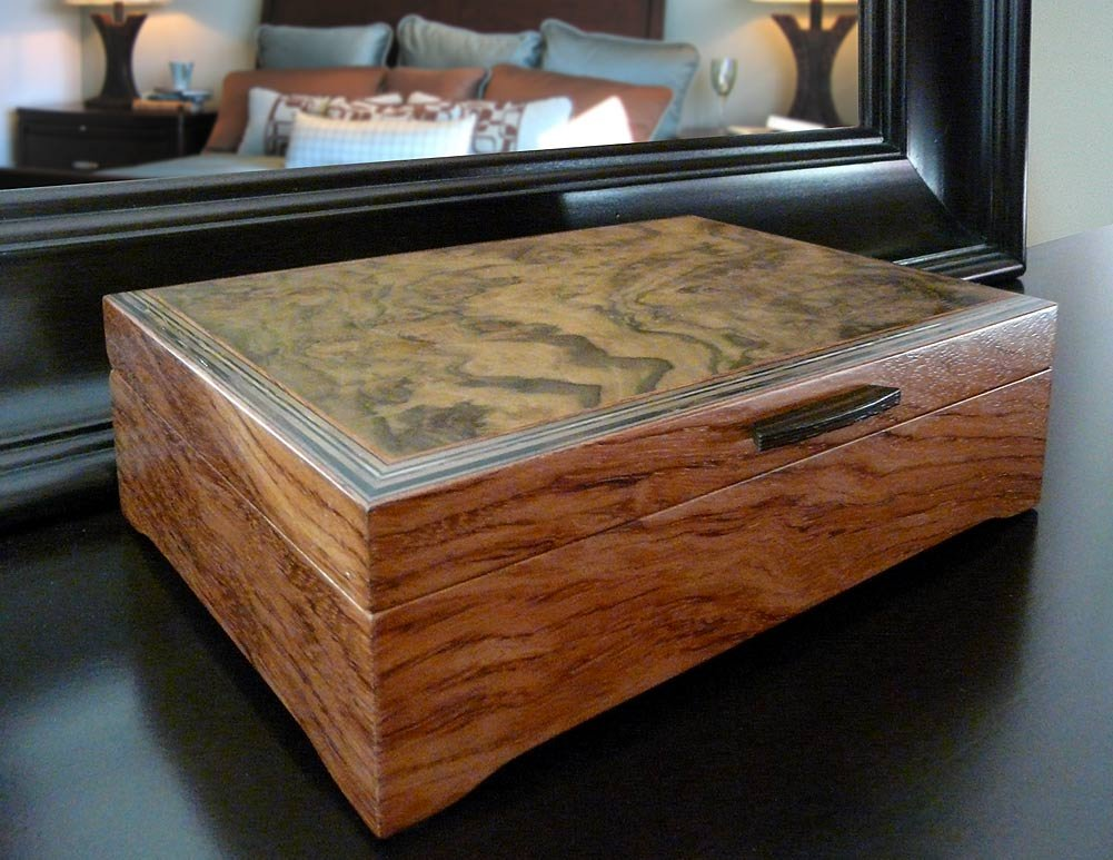 Burl Walnut and Sapele Handcrafted Hardwood Valet Box, 10.5'' x 7.25'' by Modern Artisans (Image #5)