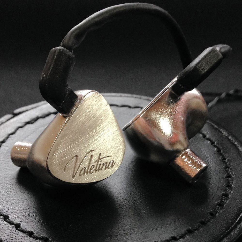 【LIVEZONE R41】Valentina quattro silver housing univarsal fit earphone B01EQ2AJ8U