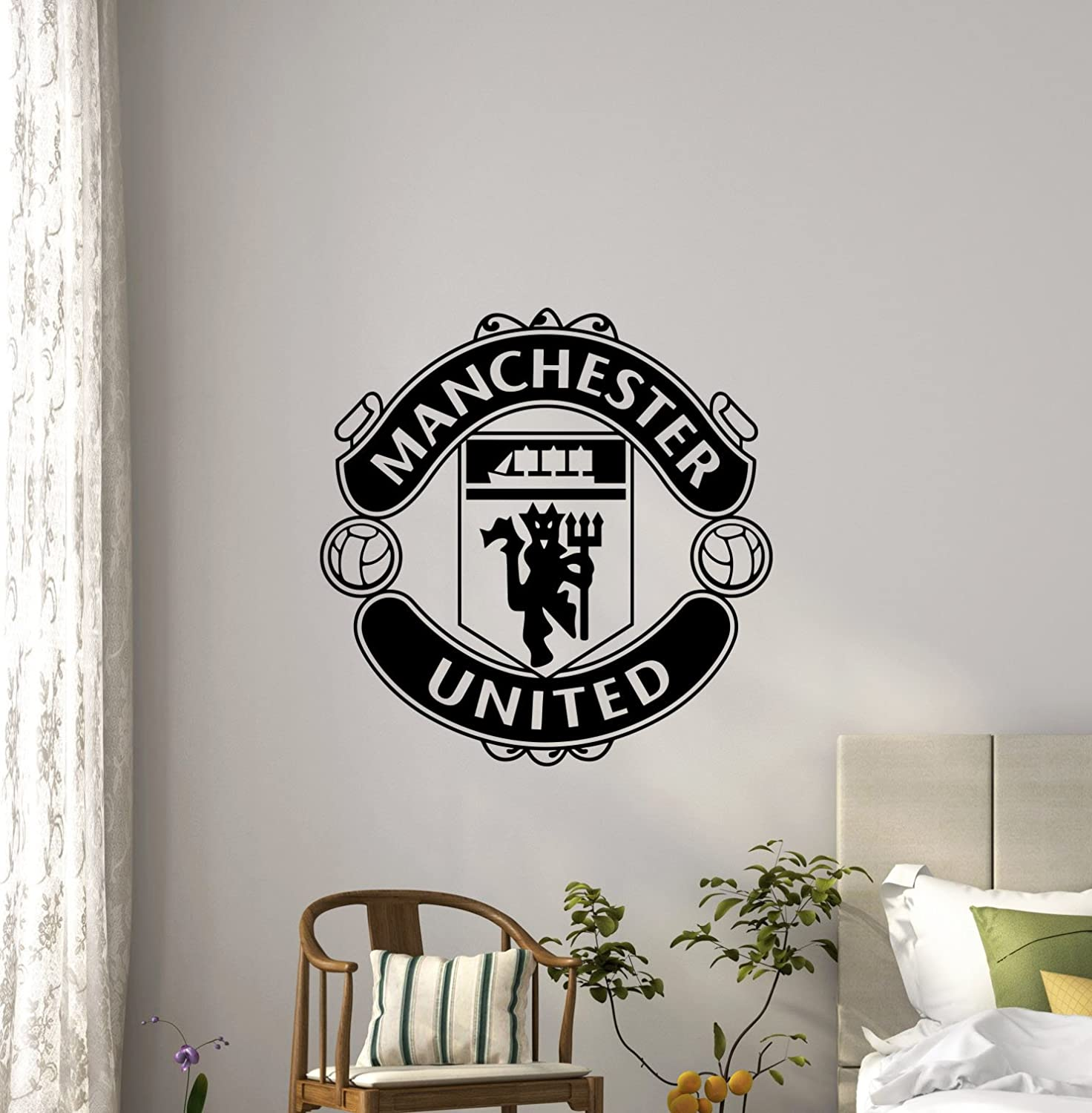 Manchester United Logo Wall Decals Sports Soccer English Football Club Kids Children Poster Stencil Decor Sports Vinyl Sticker Home Art Design Removable Mural (488n)