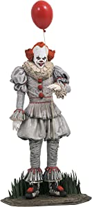 DIAMOND SELECT TOYS It Chapter Two: Pennywise Gallery PVC Figure