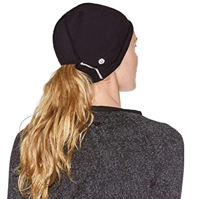 340a05b9023f9 Lululemon Run It Out Toque Hat (Black) at Amazon Women s Clothing store