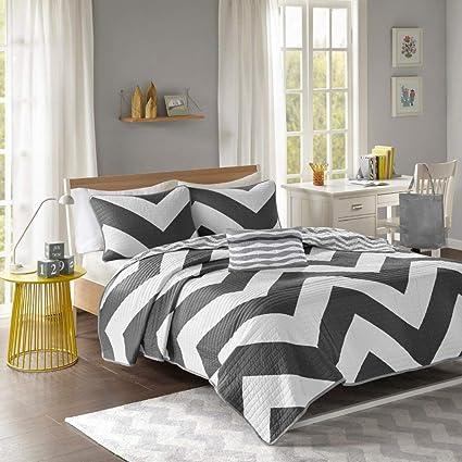 6d1408172 Amazon.com  4 Pc Zig Zag Reversible Chevron Bedspread Quilt with ...