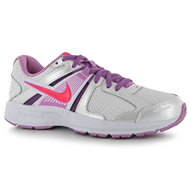 NIKE   Womens Athletic Tennis Shoes Dart 10 Size 6Y in very good condition
