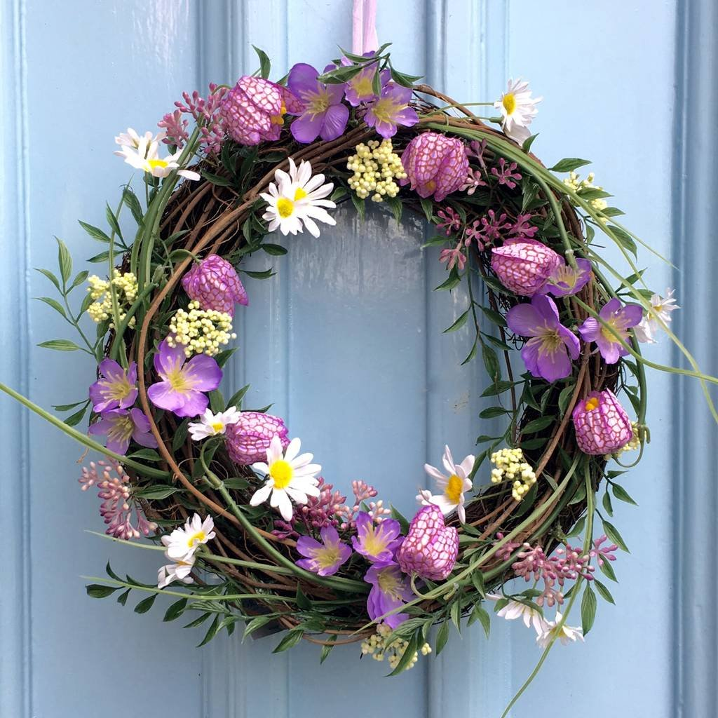 Fritillaria Mixed Spring Daisy Flowers Wreath From The New