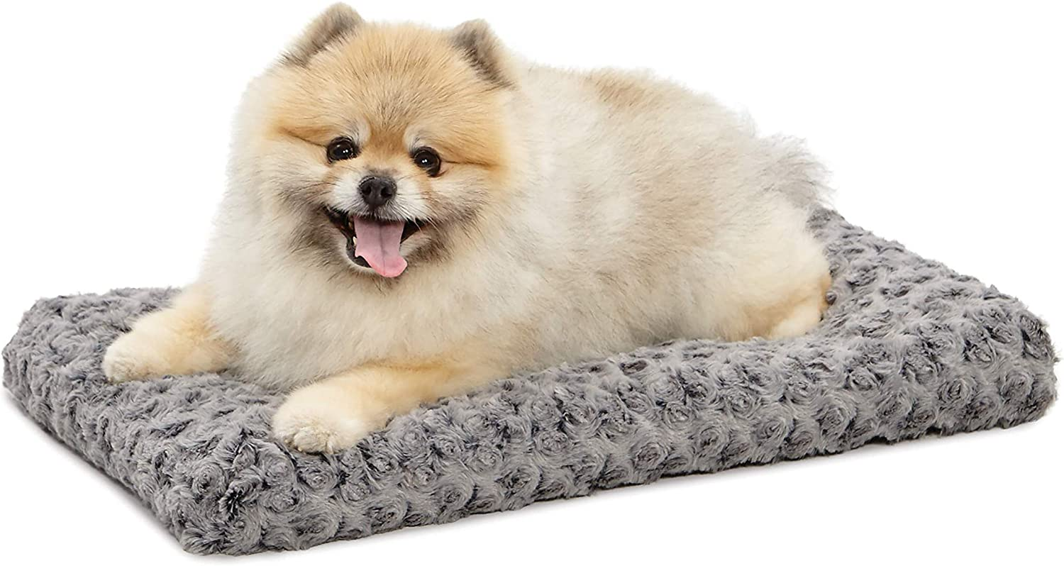 Amazon Com Midwest Homes For Pets Deluxe Dog Beds Super Plush Dog Cat Beds Ideal For Dog Crates Machine Wash Dryer Friendly 1 Year Warranty Pet Bed Mats Pet Supplies