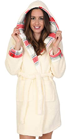 e54b12761dc Dannii Matthews Luxury Corel Soft Hooded Short Bath Robe Dressing Gown  Housecoat with Belt Ladies in 12 Colours  Amazon.co.uk  Clothing