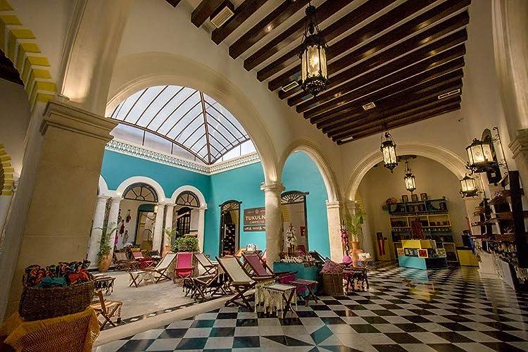 interior de la Tienda de Artesanias de Campeche