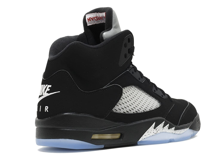 timeless design 8c79b 4194b Amazon.com   NIKE Mens AIR Jordan 5 Retro OG, Black FIRE RED-Metallic Silver -White, 17   Basketball