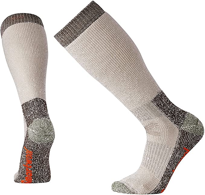 9 Best Thermal Socks For Extreme Cold Review 9